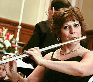 Daniela Pisano – Flute & Piccolo.