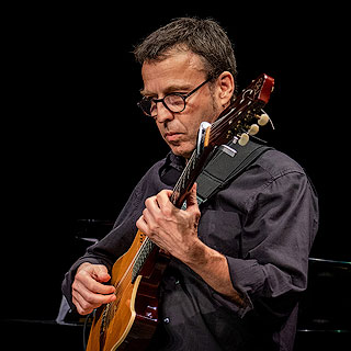 Jean-Yves Costantini – Electric, Acoustic & Classical Guitar