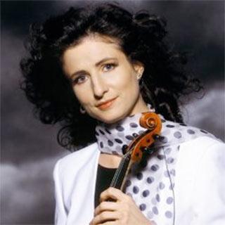 Madeleine Mitchell – Violin.