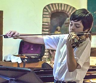 LMFL student at violin masterclass